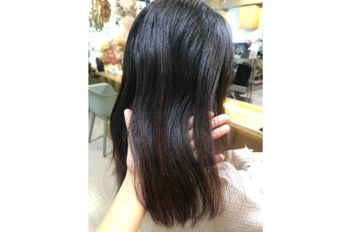 滋賀県守山市でフリーランス美容師をしている青木愛里彩の縮毛矯正
